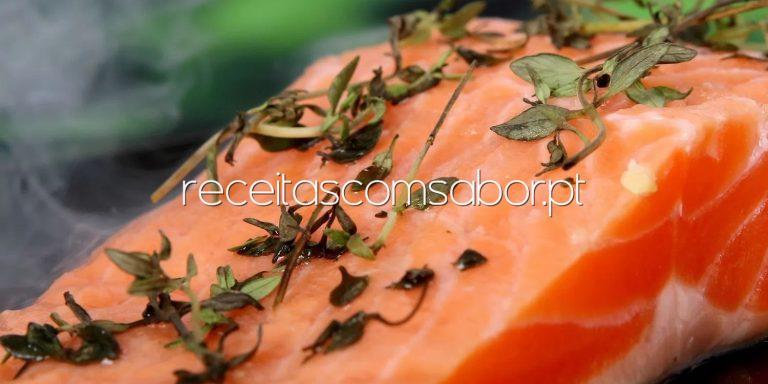 Os melhores alimentos para combater a enxaqueca