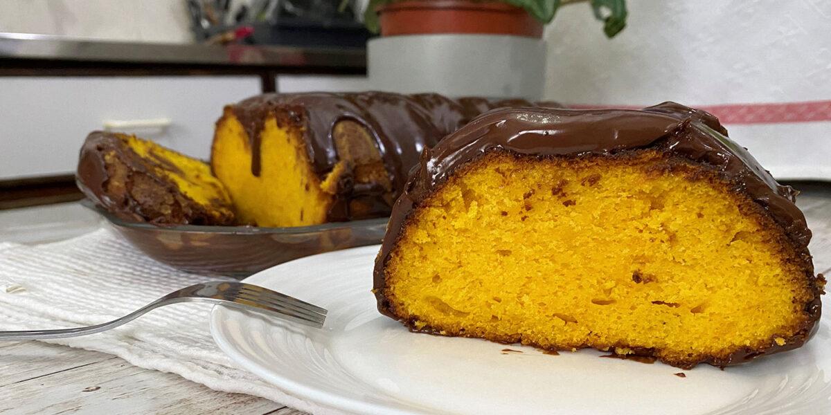 Bolo de cenoura e laranja (na Yammi), juntei estes dois sabores e tive uma combinação deliciosa e eficaz, para um bolo muito fofo e saboroso, este bolo é daquelas receitas simples e fáceis de preparar com a Yammi